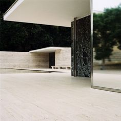 Mies van der Rohe | Barcelona Pavillion