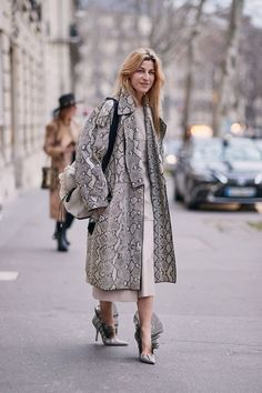 See the Latest Paris Fashion Week Street Style Fall 2019 Next Fashion, Fashion Week, Star Fashion, Autumn Fashion, Fashion Trends, Paris Fashion, Fashion Editor, Street Fashion, Cheap Fashion