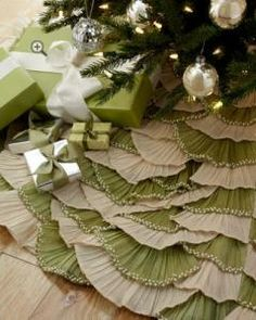 I think I could do this pretty easily... Burlap and muslin maybe?