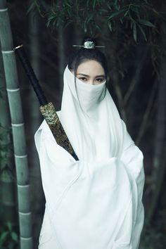 Female Samurai, Samurai Art, Traditional Fashion, Traditional Outfits, Katana Girl, Cosplay, Warrior Girl, China Girl, Chinese Clothing