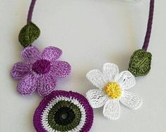 Handmade Gifts Ideas To Sell - Handmade Crochet Lace Edging, Crochet Flowers, Crochet Patterns, Bead Crochet, Crochet Ideas, Simply Crochet, Floral Necklace, Crochet Earrings, Bead Earrings