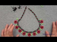 Diy Jewelry Necklace, Beaded Jewelry, Crochet Necklace, Beaded Necklace, Beaded Bracelets, Necklace Tutorial, Bracelet Crafts, Beads And Wire, Beaded Flowers