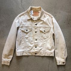 1950's Levi's lot: 840B jacket, size 42-men's S/M, $125+$16 domestic shipping. Call 415-796-2398 to purchase or PayPal afterlifeboutique@gmail and reference item in post.