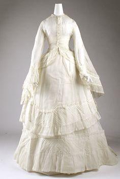 Victorian Wedding Dress Date: 1873 Culture: American Medium: cotton Gift of Helena I. Cotton Wedding Dresses, Antique Wedding Dresses, Vintage Gowns, Vintage Bridal, Vintage Outfits, Dress Wedding, 1870s Fashion, Victorian Fashion, Victorian Era