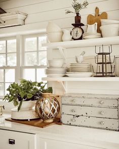 Creative shabby chic decor, really super tasteful note to create, click this chic post reference 3699676284 immediately. French Country Living Room, French Country Kitchens, Country Farmhouse Decor, French Country Decorating, French Decor, Cottage Decorating, Farmhouse Style, Cozinha Shabby Chic, Cottage Style Homes