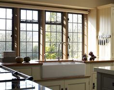 Martin Moore & Company - Derbyshire Stone Residence - Handmade Kitchens | Traditional Kitchens | Bespoke Kitchens | Painted Kitchens | Classic Kitchens