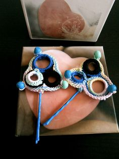 Clips en crochet https://www.facebook.com/photo.php?fbid=535152533229820&set=a.341691772575898.74197.200554666689610&type=3&theater