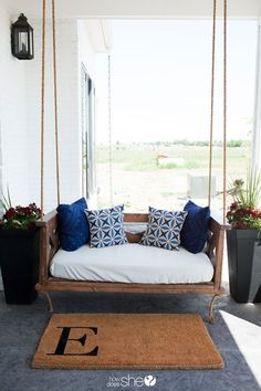 It's time to upgrade your exterior with one of these porch swing plans. Any one of these DIY porch swings would look great outside your home. Farmhouse Porch Swings, Porch Swing Beds, Front Porch Swings, Front Porch Seating, Crib Swing, Diy Outdoor Furniture, Outdoor Decor, Outdoor Ideas, Furniture Projects