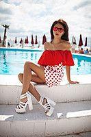 Летнее легкое платье с воланом в горошек  Размеры: С, М, Л.  Материал: вискоза.  Цвет: красный.