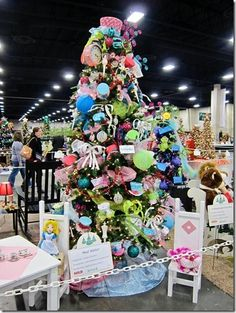 50 best Alice in Wonderland Christmas Ideas images on Pinterest ...