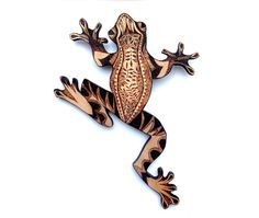 Wood Frog Wall Hanging with Pyrography Wood by GlenoutherCrafts