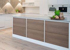 Heltre kjøkkenskuffer med malt ramme. Foto: Strai Kjøkken