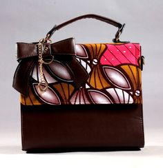 La Pagn'Attitude bag made with leather and African Print fabric