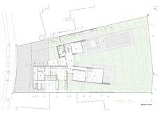 Spacious Donoso-Smith House by EMaarquitectos   Raimundo Salgado 16 -