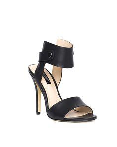 When ya need that little black shoe...love. http://shmnt.co/12JYXBY
