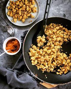 Szotyiművek: Köles-császármorzsa Naan, Chana Masala, Granola, Curry, Paleo, Good Food, Food And Drink, Healthy Recipes, Cooking