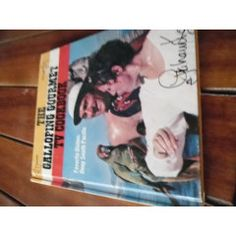 GRAHAM KERR'S GALLOPING GOURMET TELEVISION COOKB VOL. 1 FAVOURITE DISHES DEEP SOUTH PACIFIC 1972