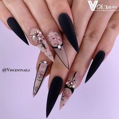 The prevalence of matte stiletto nail designs have increased significantly in the past few years. Matte nails always makes a difference, and it is more luxurious to cooperate with stiletto shape nails. Matte nails should definitely be your first ch Ongles Stiletto Mat, Matte Stiletto Nails, Gel Nails, Coffin Nails, Blush Nails, Best Acrylic Nails, Acrylic Nail Designs, Nail Art Designs, Stiletto Nail Designs
