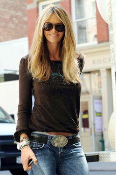Elle MacPherson | http://media.tvblog.it/e/ell/elle-macpherson-le-foto-della-modella-fashion-star-real-time/12082009AL6.jpg