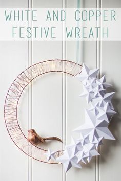 DIY Christmas Decoration Ideas With Origami Paper – Home and Apartment Ideas Christmas Makes, Noel Christmas, Modern Christmas, Christmas And New Year, Christmas Wreaths, Christian Holidays, Unique Christmas Decorations, Origami Xmas Decorations, Christmas Origami