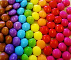 was doing a stats test on weights of smarties in maths club, arranged them in rainbow order after weighing them. Rainbow Candy, Rainbow Theme, Rainbow Colors, Sweet Wedding Favors, Wedding Candy, Wallpaper Iphone Cute, Cute Wallpapers, Sarah Graham, Rainbow Aesthetic