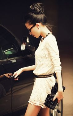 Love all !! White dress, black accessories, and a chic top knot