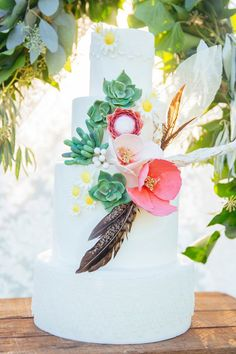 Bohemian wedding inspiration with feathers