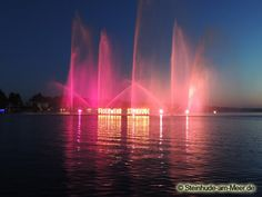 Wasserfontänen beim Festlichen Wochenende 2012 - Steinhuder Meer in Flammen