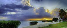 Atardecer en bahia salinas by Juan Torres on 500px