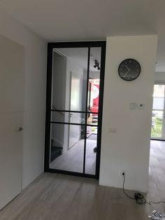 Deze #industriële look #binnendeur van #anywaydoors met een kruis als roedeverdeling is een echte eye catcher. Wij hebben deze deur gemaakt! Meer weten? Volg de link! Exterior Design, Interior And Exterior, Glass Door, Lighting Design, Interior Inspiration, Living Room Designs, Sweet Home, New Homes, House Design