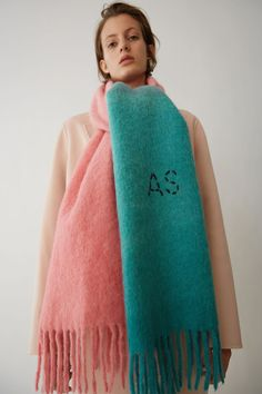 #twontone #pinkmint #scarf #sacrves #acnestudio #fashionbrand #AS #woolen #winteraccessory #winterstyle #womensaccessory #Acnebrand #pink #mint #fringed