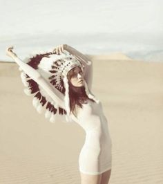 The feather headdress inspired by American Indians are catching my eye of late. or maybe i'm still in my tipi tent wedding obsession mode . Red Indian, Indian Summer, Indian Hat, Indian Style, Indian Desert, Hippy Chic, Boho Chic, Bohemian, Cherokees