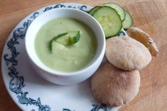 Avo and cucumber cold detox spup
