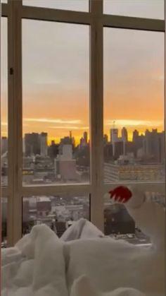 Apartment View, New York City Apartment, Dream Apartment, New York Life, Nyc Life, City Aesthetic, Aesthetic Bedroom, City Vibe, City Wallpaper