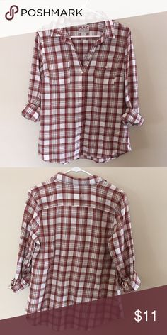 Old Navy Flannel This flannel button down is worn but in excellent condition with no visible flaws. Perfect for layering because it's fairly lightweight. Old Navy Tops Button Down Shirts