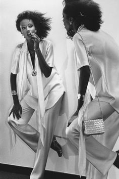 Vogue - January 1977 by Chris Von Wangenheim - Iman in Halston 70s Fashion, Fashion Art, Love Fashion, Vintage Fashion, High Fashion, Fashion Ideas, Fashion Design, Bianca Jagger, Lauren Hutton