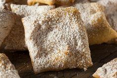 Les tourtisseaux étaient fabriqués dans la plaine vendéenne et le marais poitevin. Pâte levée frite, traditionnelle en période de carnaval et de Mardi gras.