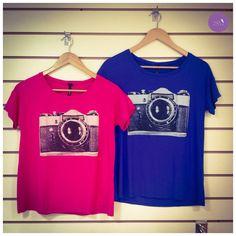A t-shirt que todo mundo adorou agora em novas cores! #Vemprazas