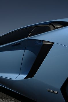 Details we like / lamborgini / surface transitions / hard surfaces / polygones / transportational / at iam a dreamer