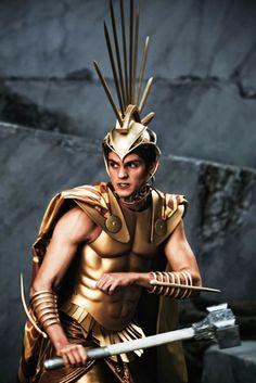 Daniel Sharman as Ares in Immortals consume by eiko ishioka Daniel Sharman, Zeus And Hera, Son Of Zeus, Greek Mythology Costumes, Eiko Ishioka, Red Rising, Adventure Movies, Fantasy Male, Movie Costumes