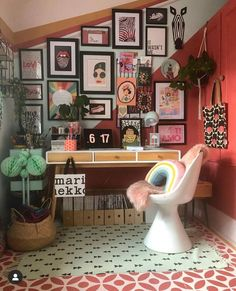 How To Create a Gallery Wall For Your Home — Melanie Jade Design – Modern Home Office Design Eclectic Gallery Wall, Eclectic Decor, Funky Decor, Casa Rock, Cactus Wall Art, Interior Minimalista, Inspiration Wall, Home And Deco, Dream Decor