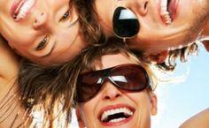 Mensen met zonnebril