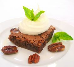Mint Julep Brownies with Candied Pecans Mint Julep Brownies with Candied Pecans Adapted from My Own Sweet Thyme  For brownies: 1 cup butter 4 ounces dark chocolate, broken into pieces 4 eggs 2 cups granulated sugar 1-1/2 cups all-purpose flour 1/2 teaspoon salt 1/2 teaspoon peppermint extract 2 Tablespoons bourbon
