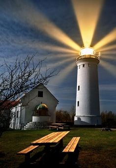 lighthouse © keller- Beautiful beacon in the night. Beautiful World, Beautiful Places, Beautiful Pictures, Lighthouse Pictures, Lighthouse Art, Beacon Of Light, Let Your Light Shine, Light Of The World, Architecture Design