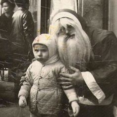 Here are some creepy vintage Santa Claus photos sure to put trauma in your stocking this year. These incredibly creepy Santas don't care if .