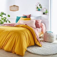 Yellow duvet with pink and green pillows Bedroom Green, Bedroom Decor, Dream Bedroom, Mustard Bedroom, Yellow Duvet, Industrial Bedroom Design, Luxury Duvet Covers, Luxury Bedding, Bedroom Designs