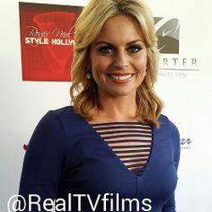 @CourtneyFriel from #FOX to #KTLA arrives #Oscars gifting #RogerNeal #Swag