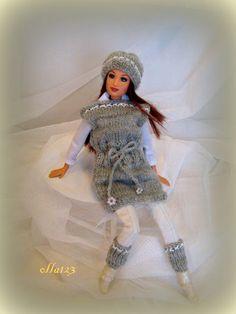 Blog o Barbie Fashionistas firmy Mattel, próbach tworzenia dla nich ubrań oraz o sztuce fotografii: Gillian i śnieg