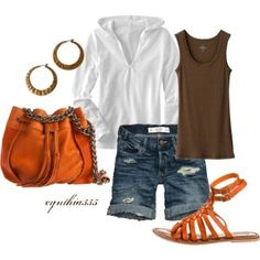 The punch of orange and chain-link handled purse add the perfect amount of style to this ultra casual weekend look.
