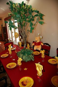 Pooh Party - Find more Winnie the Pooh birthday ideas at http://www.birthdayinabox.com/party-ideas/guides.asp?bgs=87